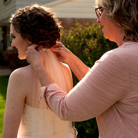 final touch with veil and mom